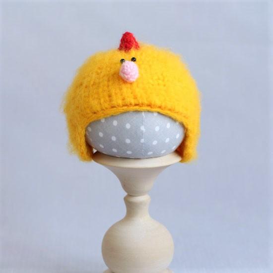 Вязаная шапочка Цыпленок пушистый