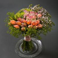 Сборный букет № 25 с тюльпанами