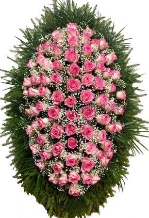 Фото Траурный венок из живых цветов #24 розовый с розами и гипсофилой