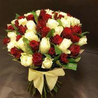 Розы белые и красные 60 см Россия от 11шт