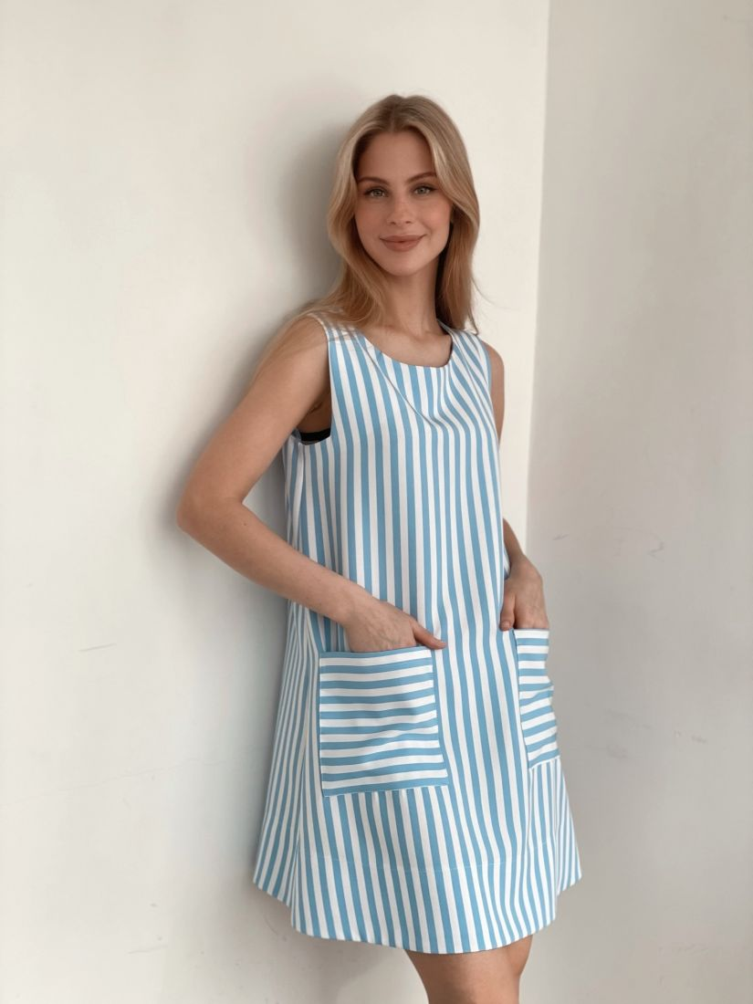 s3926 Платье в голубую полоску с карманами