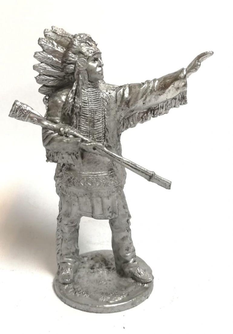 Фигурка индейский вождь олово