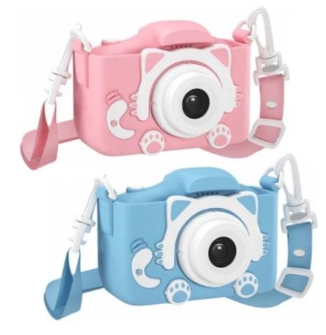 Детский фотоаппарат Кошечка с объективом для селфи позволяет снимать фото и видео, накладывать различные фильтры и эффекты, оснащен встроенными играми.