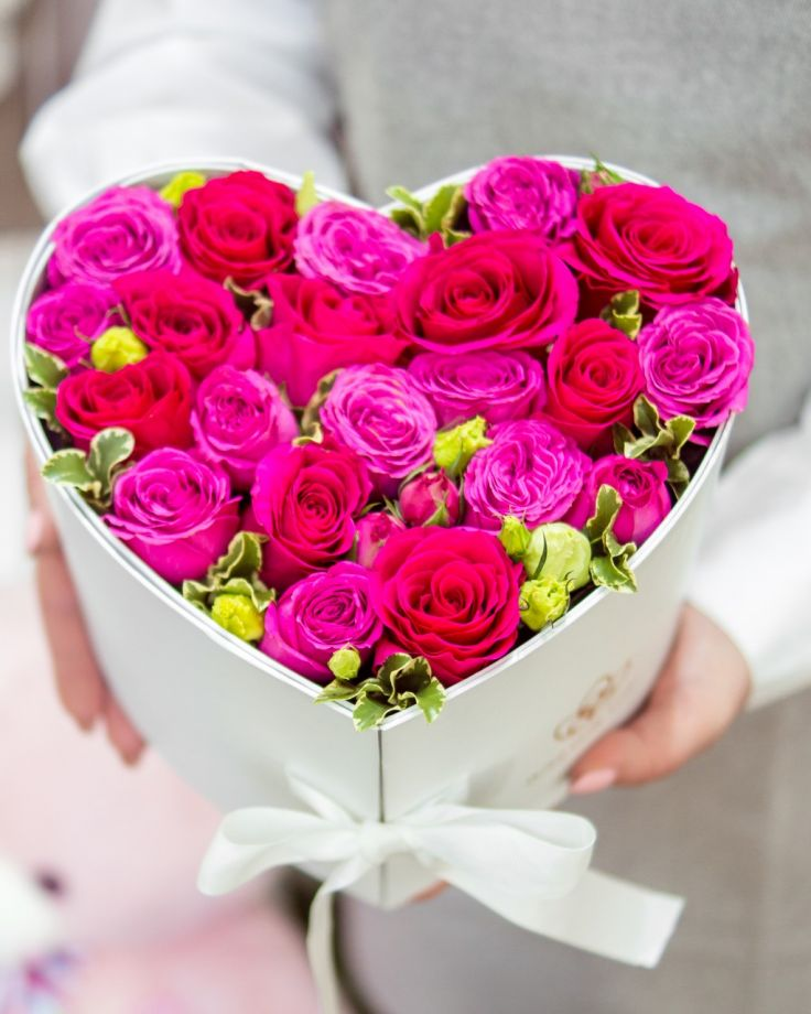 """Коробка с цветами """"Розовые рафаэло"""""""