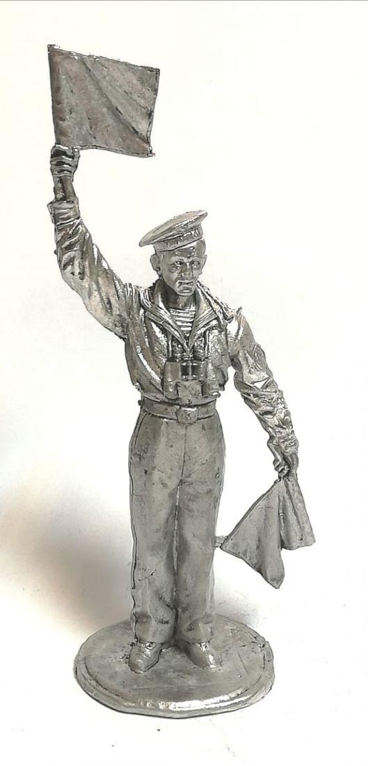 Фигурка моряк сигнальщик олово