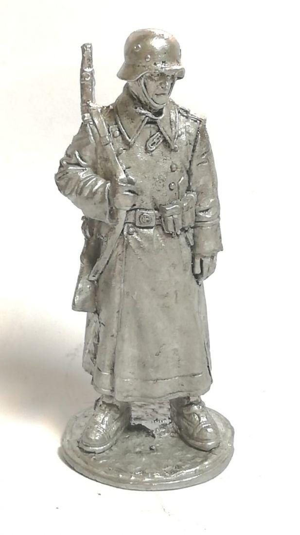 Фигурка немецкий солдат олово