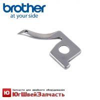 Петлитель X77781001 правый (верхний) для бытового оверлока Brother. Для моделей 925D , 929D, 1034D, 3034D, 4234D
