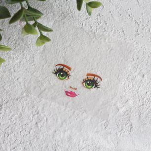 Термонаклейка для декорирования лица куклы с зелеными глазами
