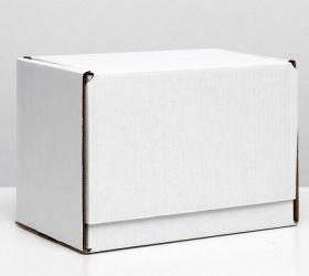 """крафт коробка БЕЛАЯ  размер  26*17,5*19,5  см материал картон ( тип конструкции """"сундучок"""", горизонтально) Прим: на дне коробки  печать производителя размер 4*6 см"""