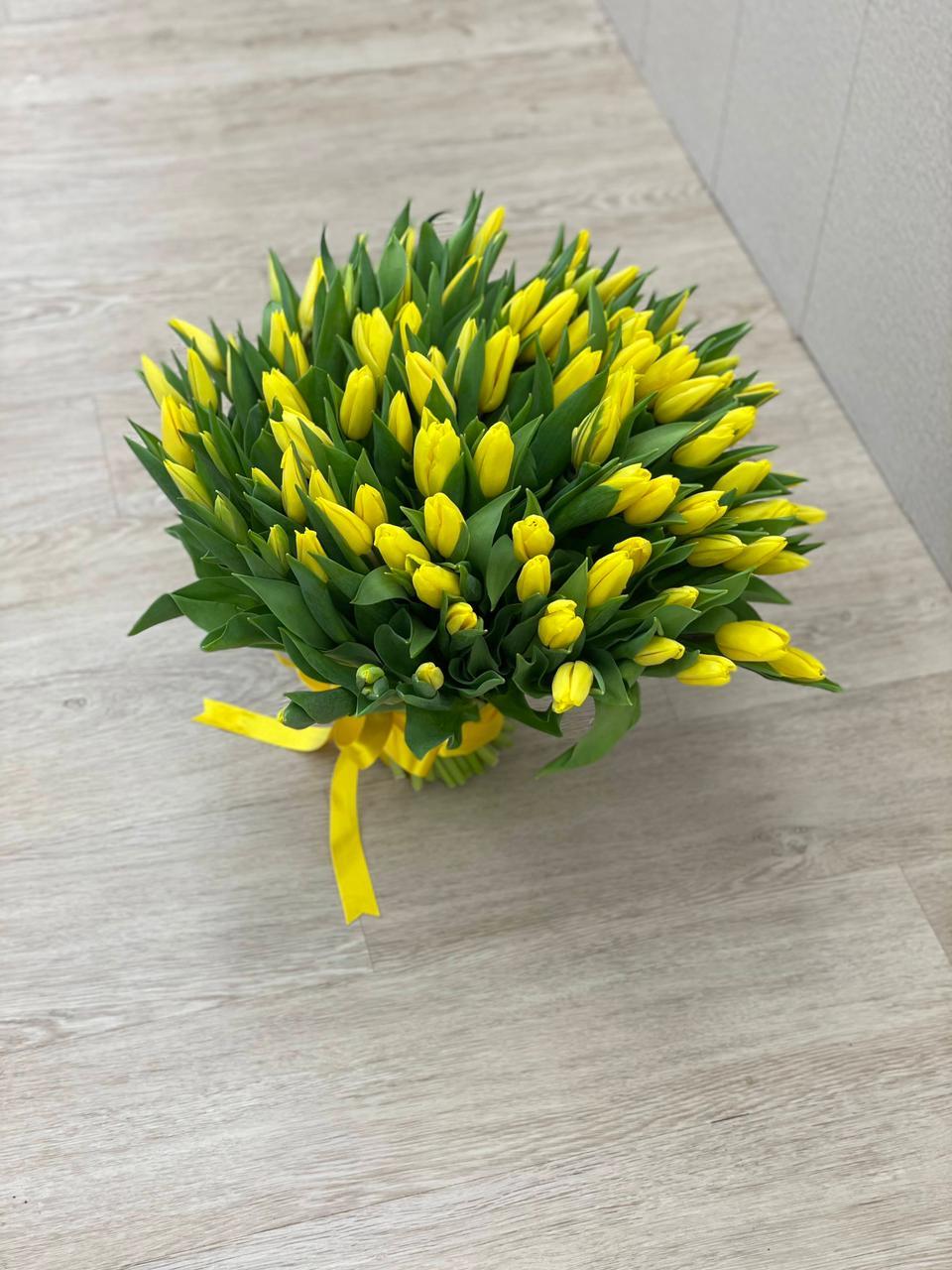Букет из 101 тюльпана жёлтого