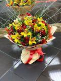 Букет из альстромерии, орхидеи и гипсофила