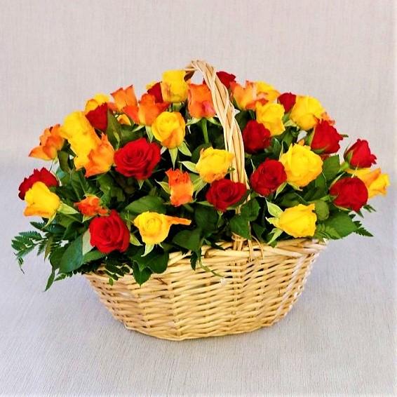 51 роза Кения 40см в корзине