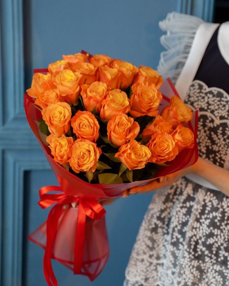 Букет на выпускной из 25 кенийских роз