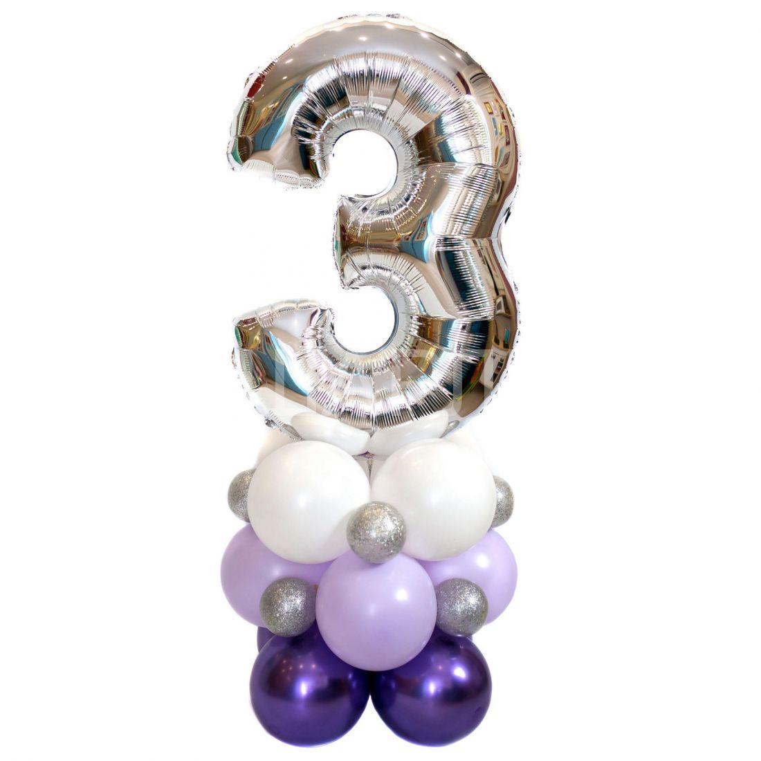 Цифра с воздухом на подставке из шаров
