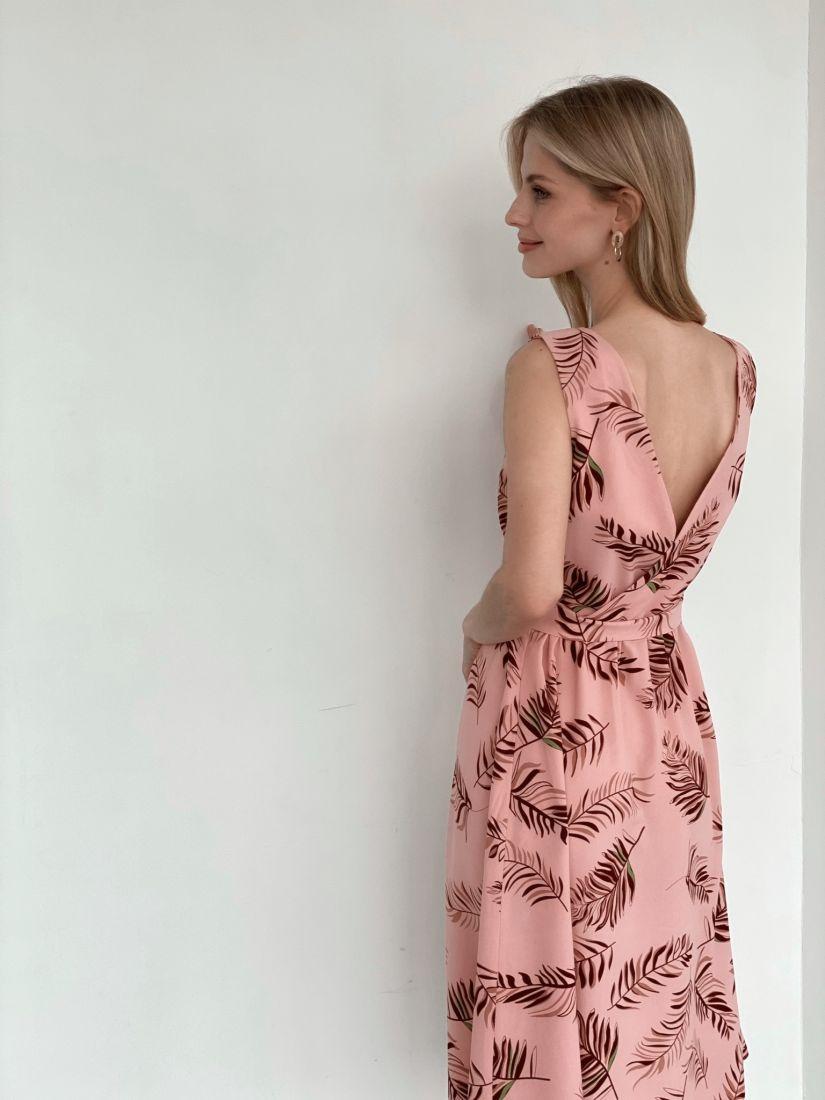 3969 Платье из вискозы пудровое с веточками