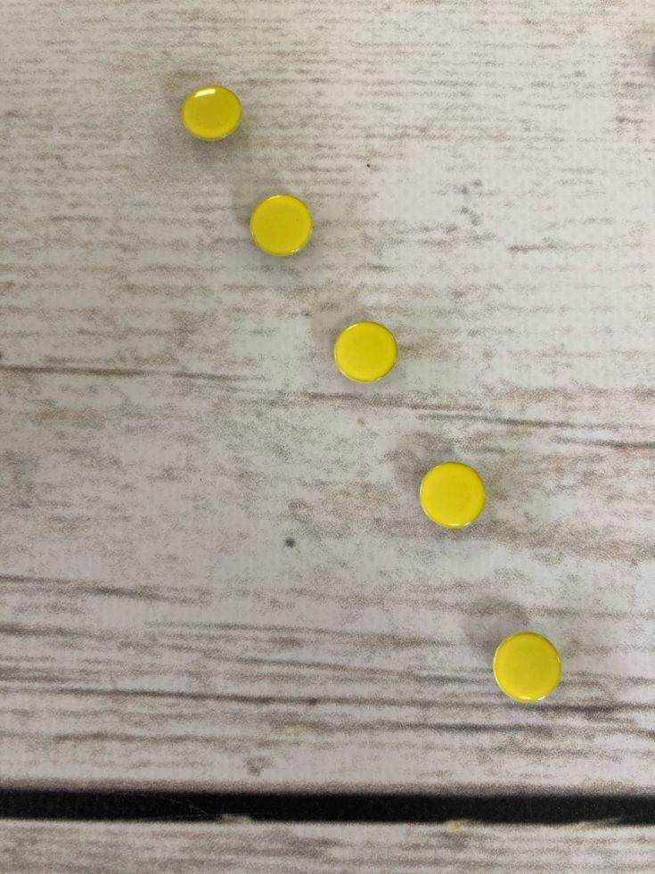кнопка закрытая 9,5мм желтая