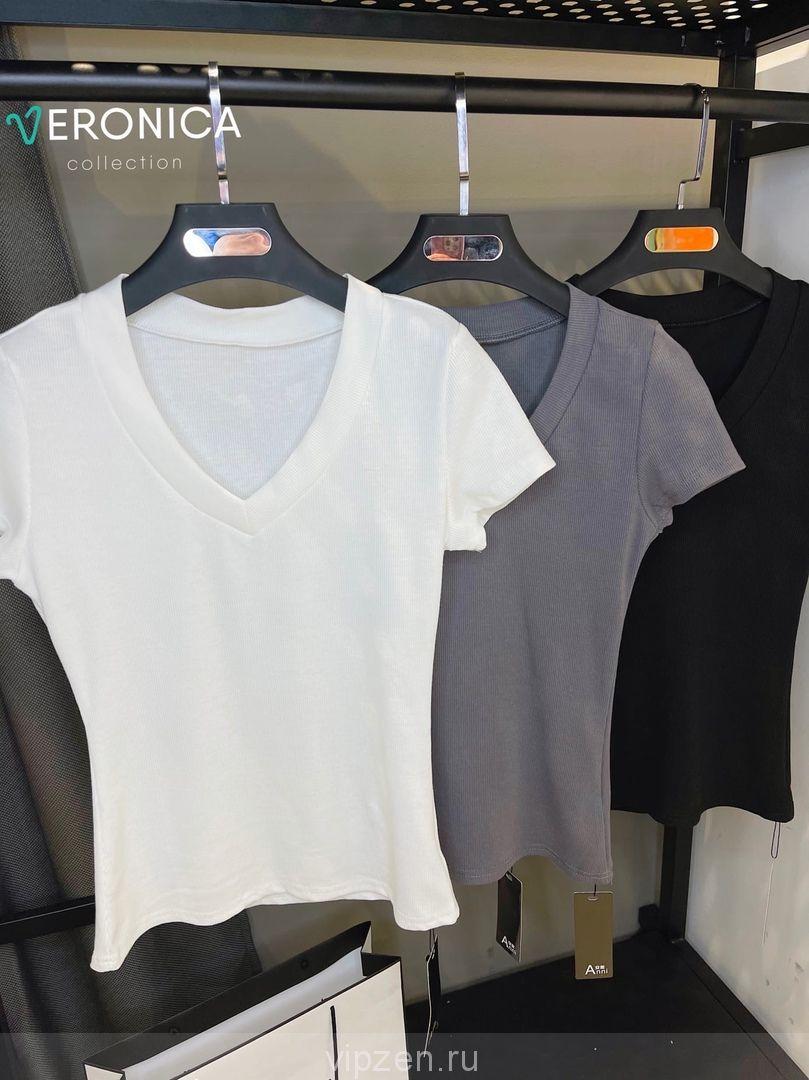 Базовые стильные футболки