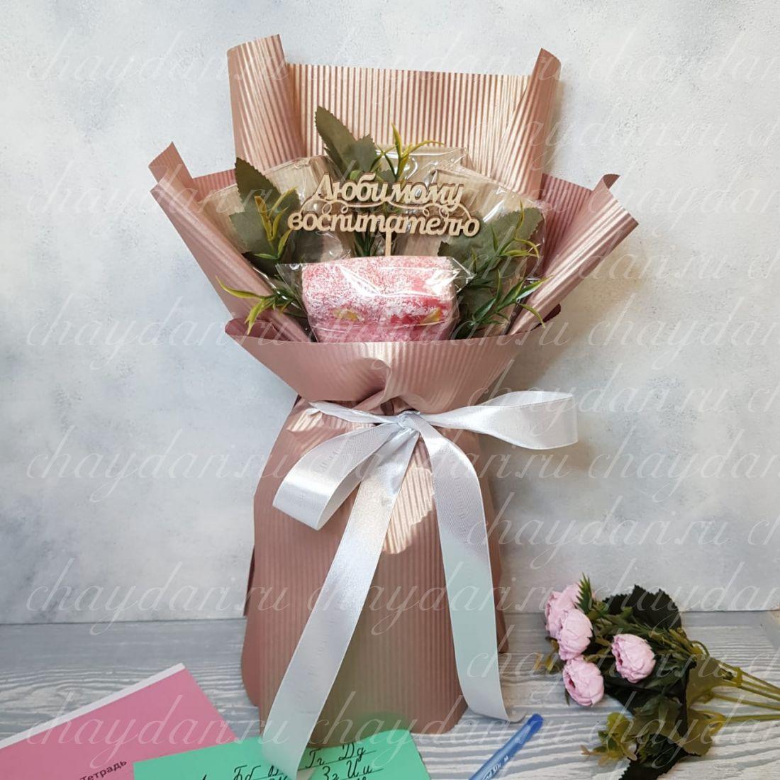 Букет из чая и сладостей «Роскошный любимому воспитателю »