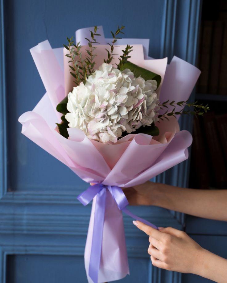 Букет цветов на выпускной из 1 гортензии