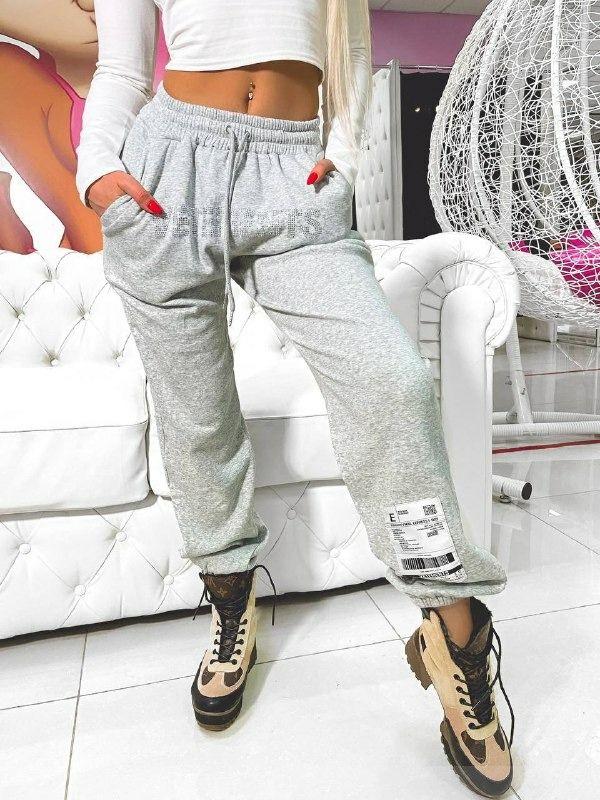 Люксовые штаны VЕTЕМЕNТS на флисе со стразами и аппликацией