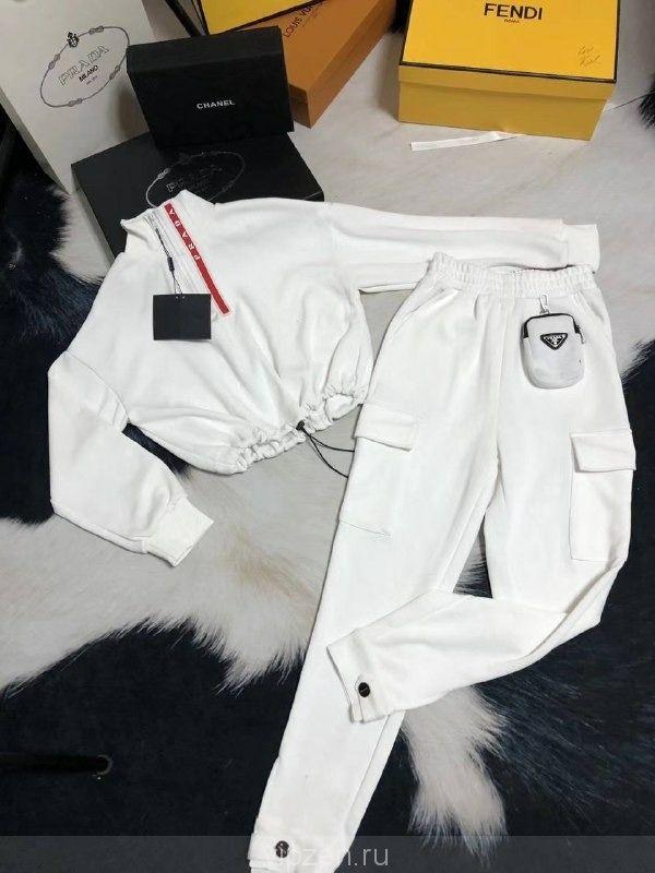 Дизайнерский костюм PRADA
