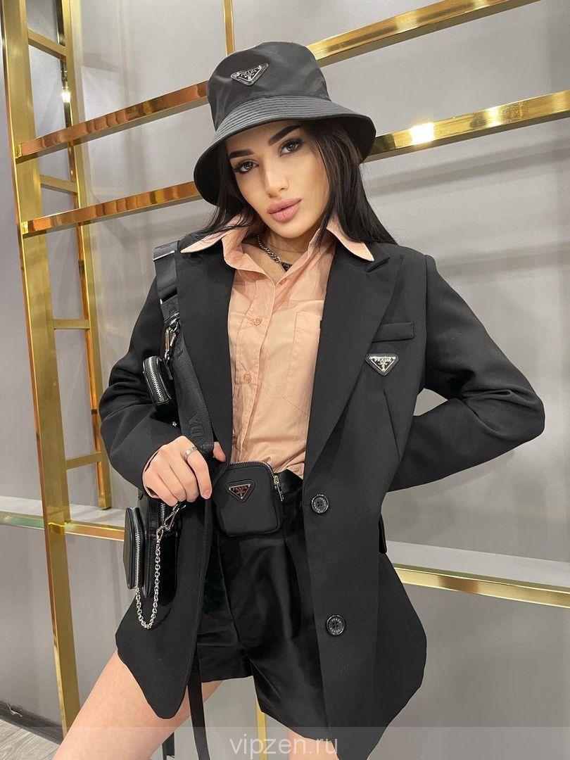 Роскошный объёмный пиджак с фактурной вышивкой на спине