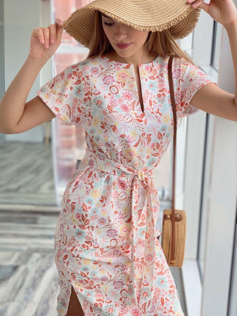 4082 Платье с фигурным низом белое с принтом