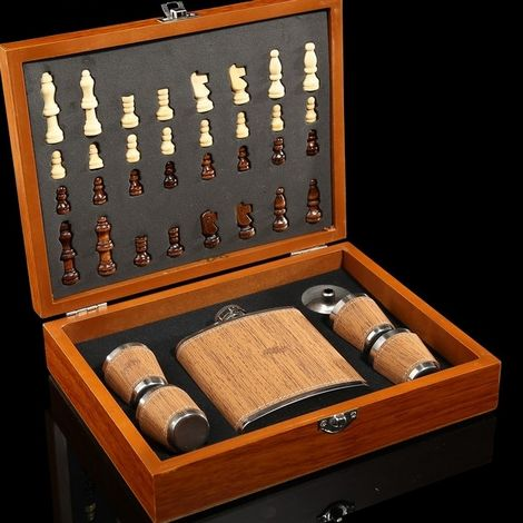 Подарочный набор 7 в 1 ( фляжка, рюмки, воронка, шахматы)