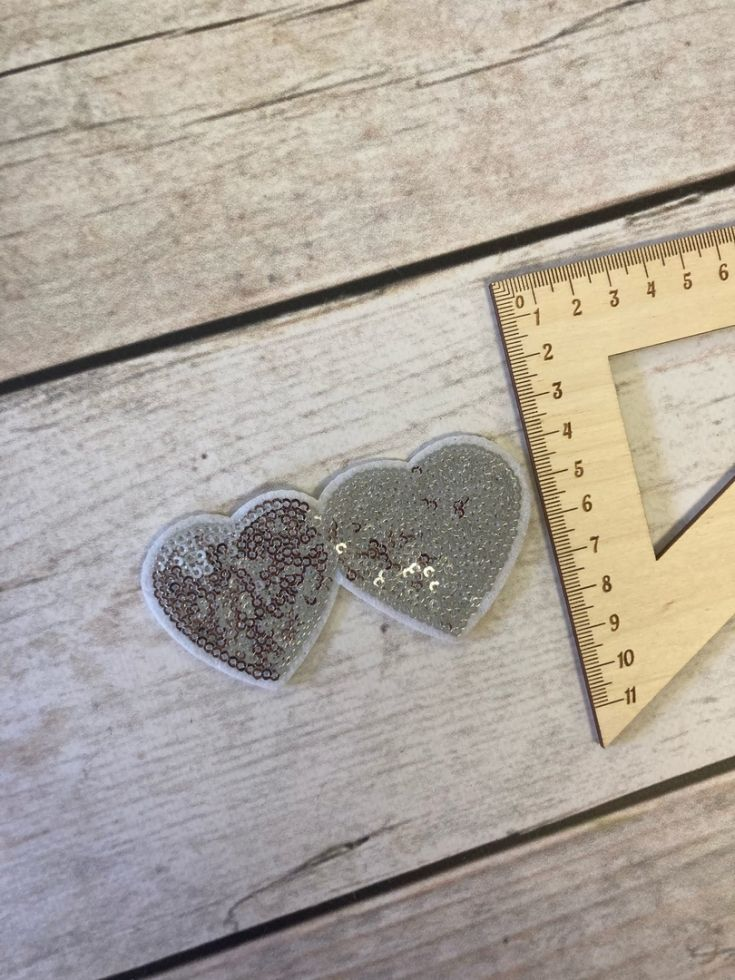 нашивка с термослоем сердечки серебро