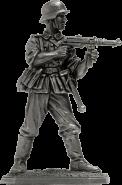 Немецкий пехотинец с MP-40, 1944-45 гг.