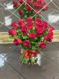 Букет из 21 розы кенийской красной без упаковки