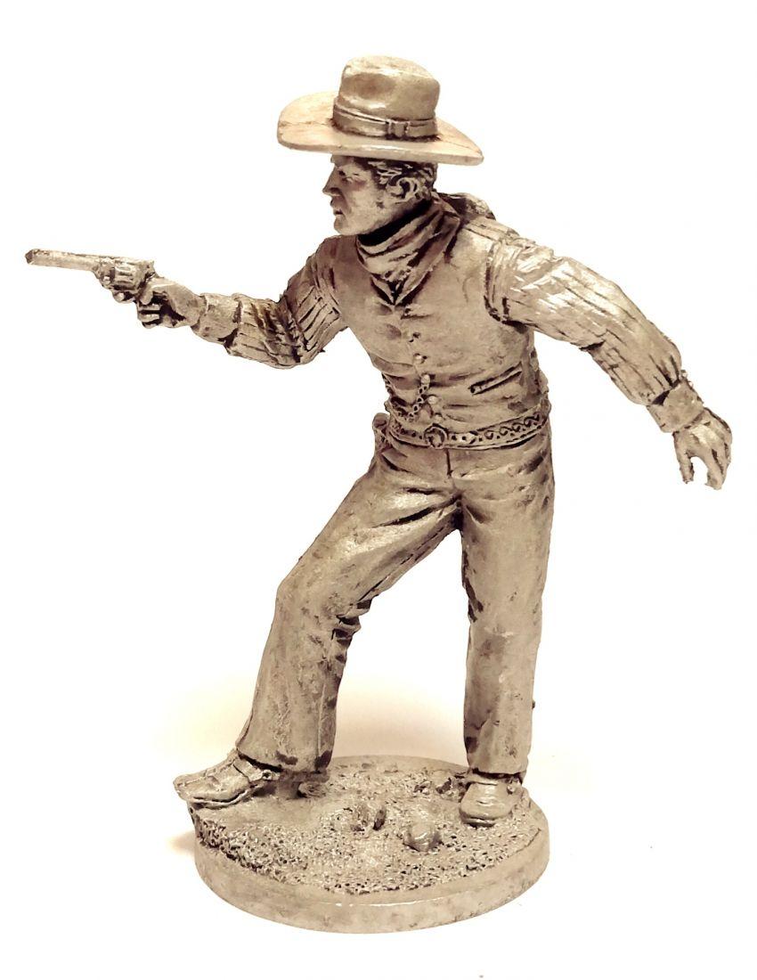 Фигурка Ковбой с пистолетом олово