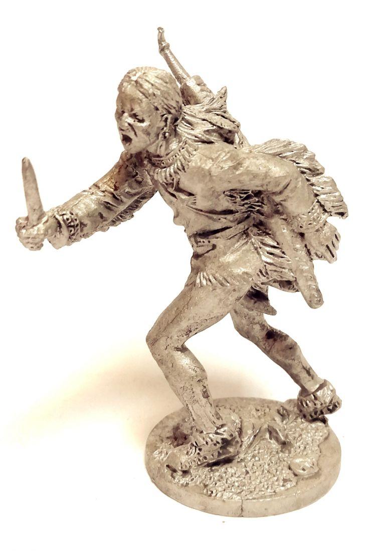 Фигурка Индеец с ножом олово