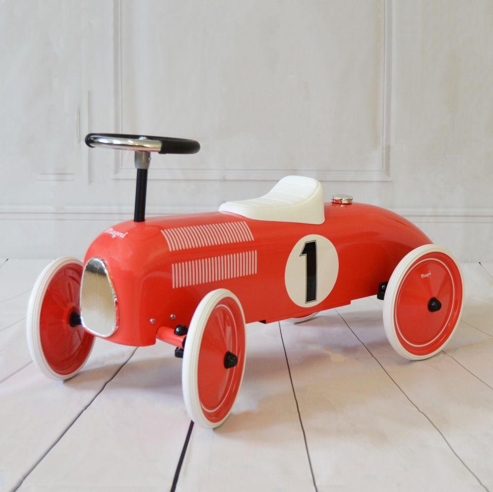 Машинка каталка фирмы Magni Дания