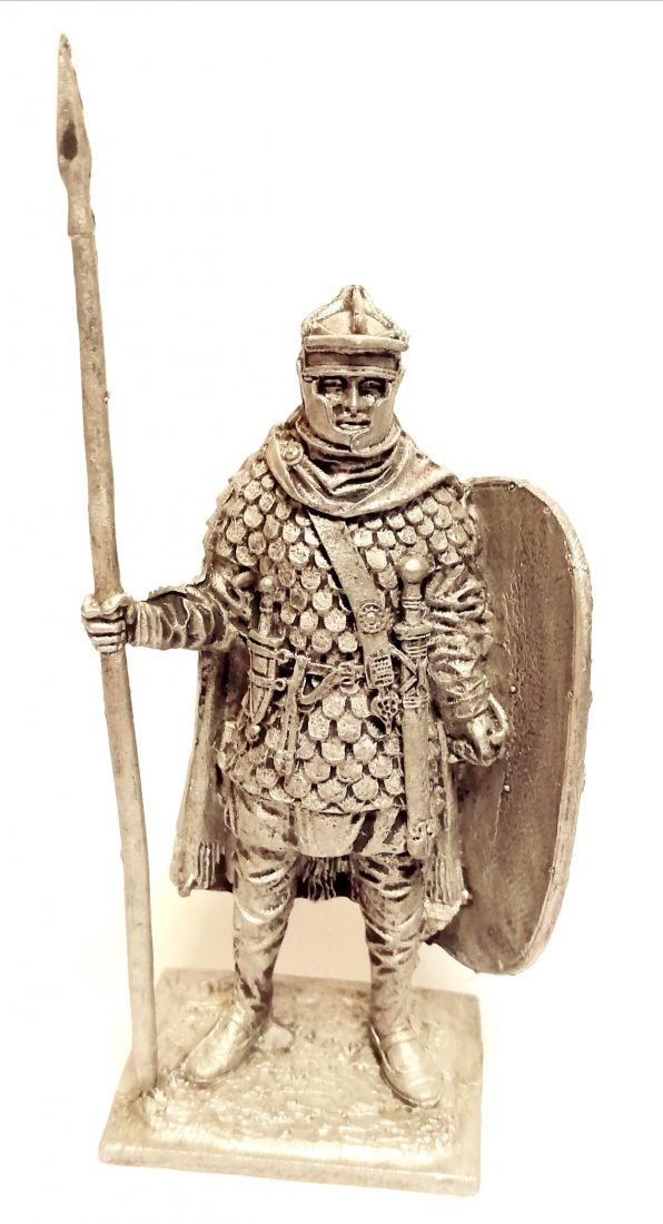 Фигурка Преторианский гвардеец. Рим 2-3 в. н.э. олово