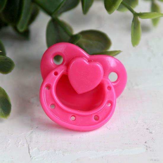 Аксессуар для куклы - Розовая магнитная соска 3*2,5 см.