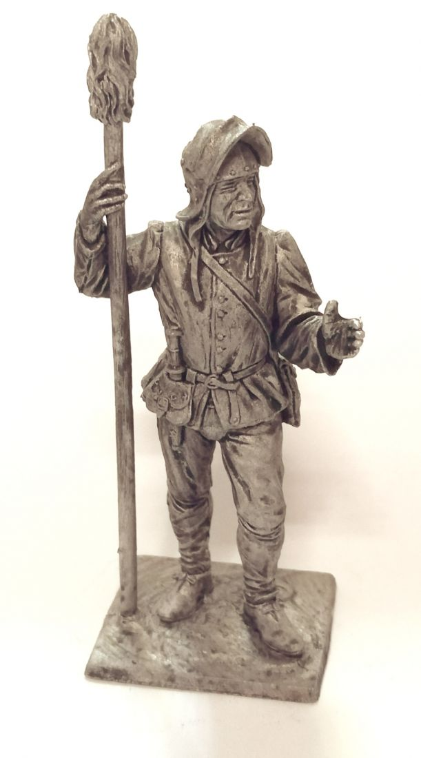 Фигурка Артиллерист с банником. Зап. Европа, 15 век олово