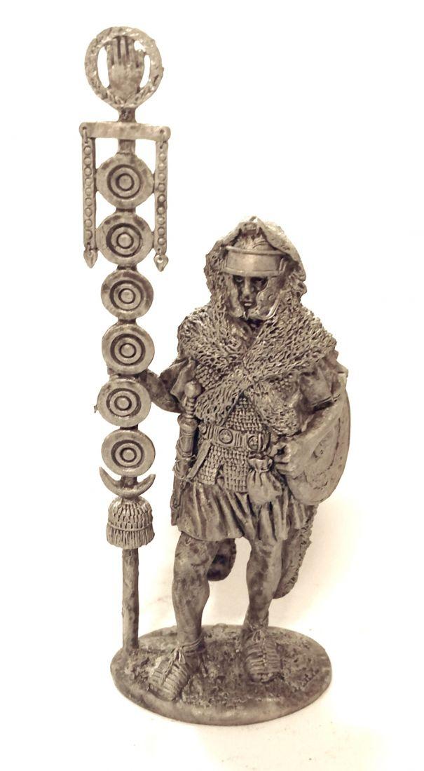 Фигурка Сигнифер II легиона Августа. Рим, 1 век н.э. олово