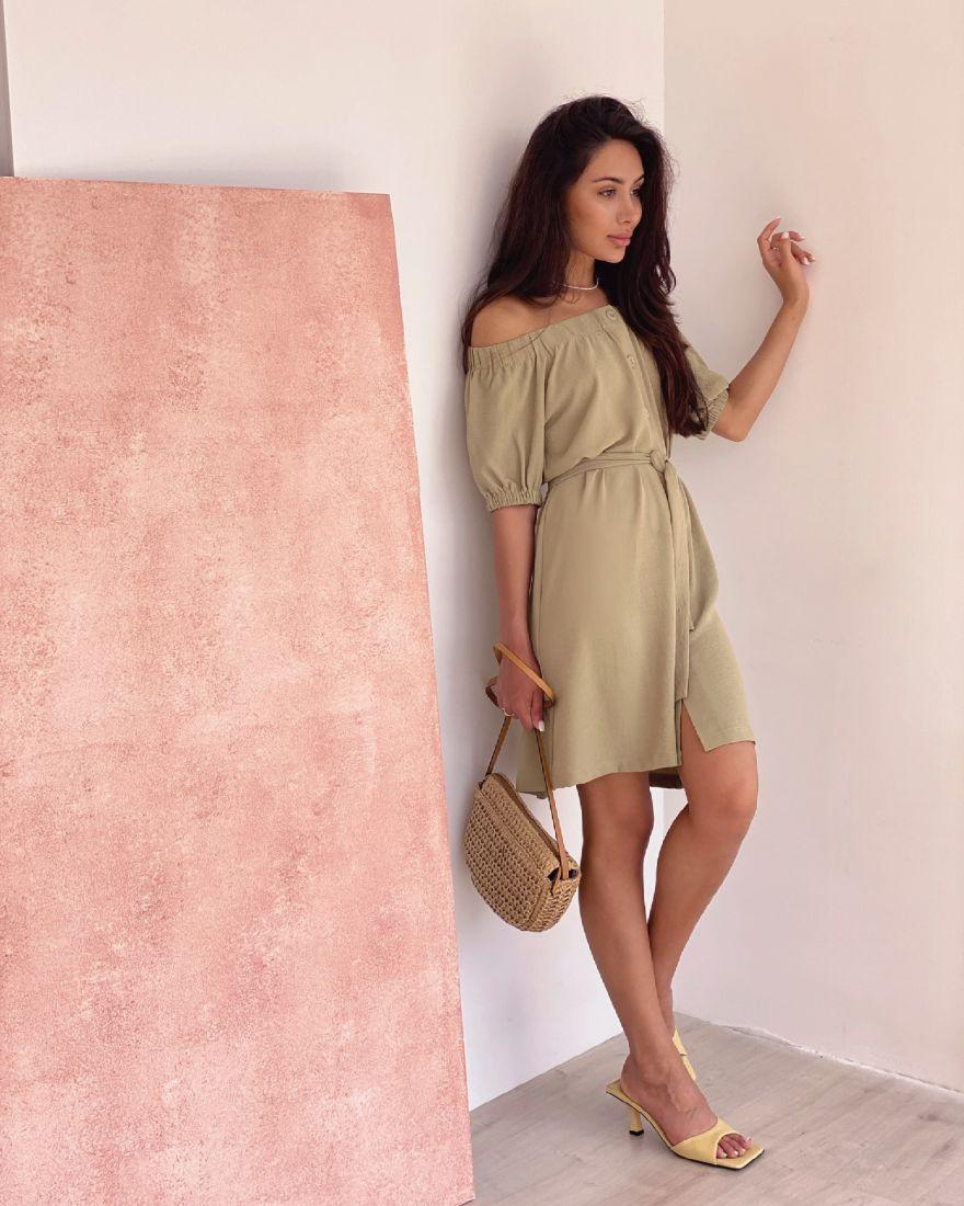 4345 Платье с открытыми плечами оливковое