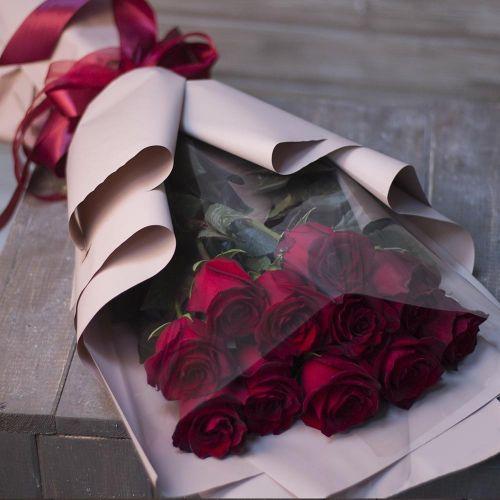 Букет из 11 роз Эквадор в оформлении
