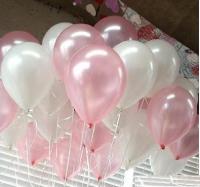 Облако из шаров c гелием на выписку девочки розовый и белый перламутр 10 шт