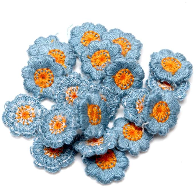 Нашивка декоративная Цветок из пряжи 10 штук в упаковке (3020-10)