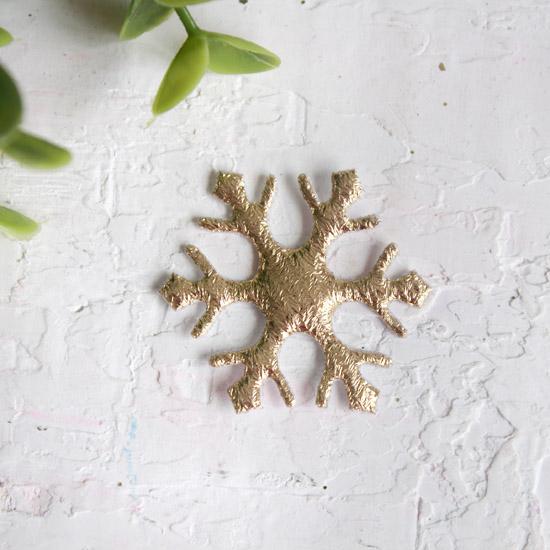 Патч снежинка золотая 3,9 см.
