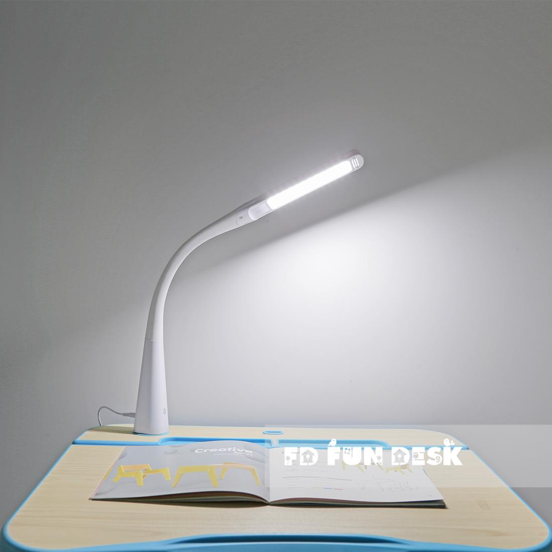 Настольная светодиодная лампа FunDesk L1