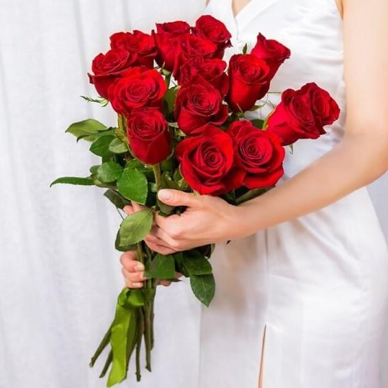 Букет из 15 роз (60см)