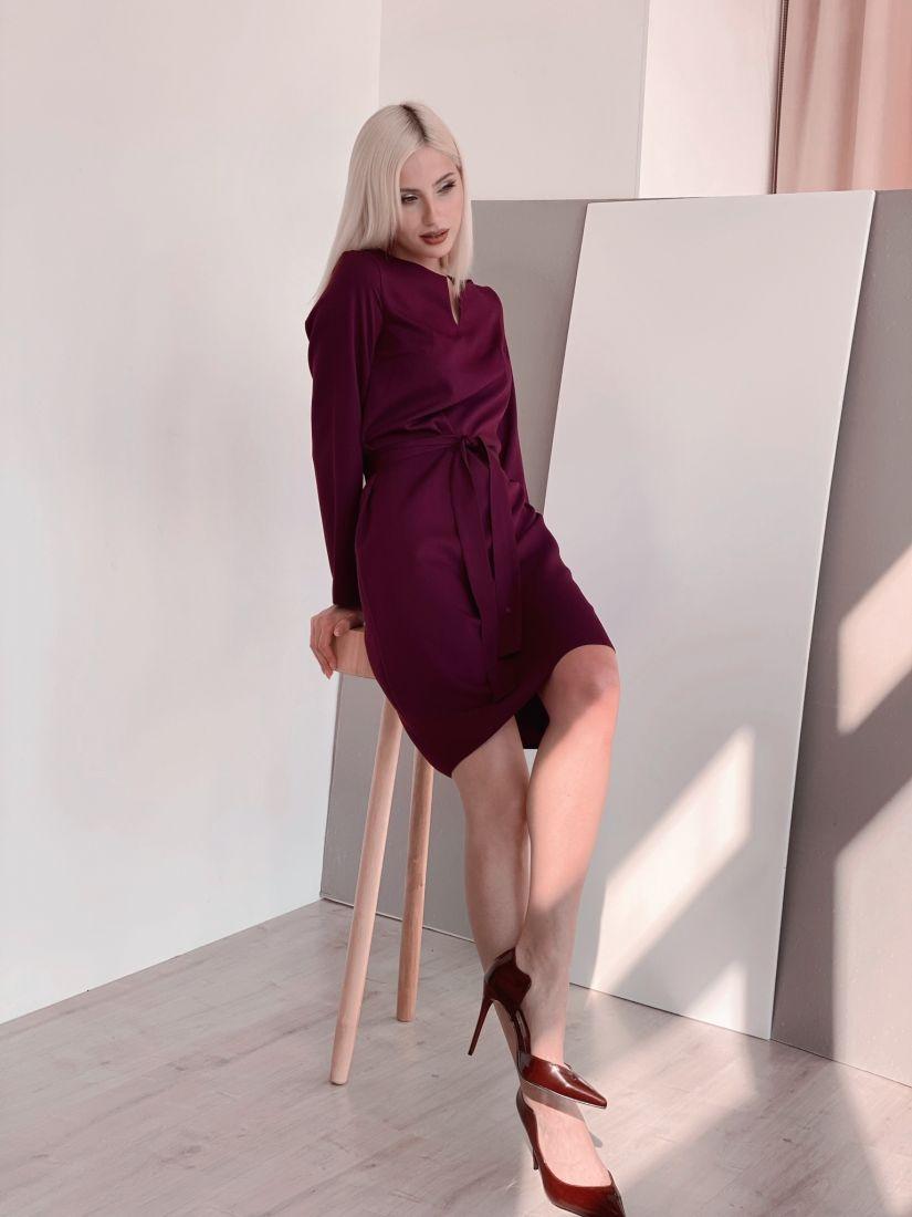 4467 Платье с вырезом в цвете burgundy