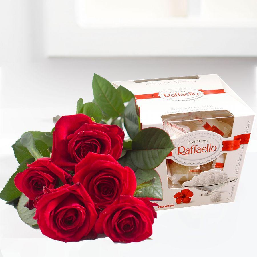Букет Набор 5 красных роз и Рафаэлло