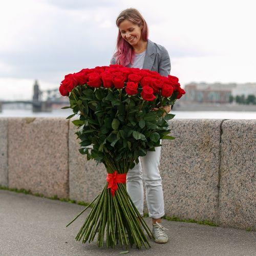 Эксклюзивные красные розы 100см