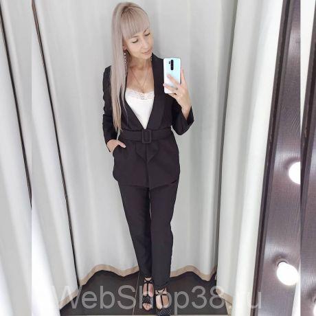 Черный костюм: брюки и пиджак