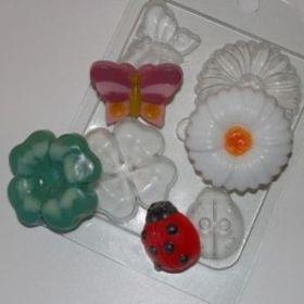 Пластиковая форма для мыла и шоколада На лугу